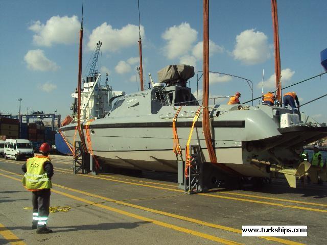 بالصور مصر تتسلم أول قارب MRTP - 20 الى القوات البحرية المصرية 13614