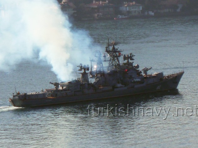The destroyer Smetlivy passing through the Bosphorus in 2012.