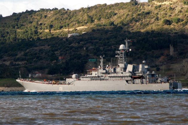 The Russian large landing ship 151 Azov, passing through the Dardanelles on 17th January 2013. Photo: Ahmet Güven. Used with permission.