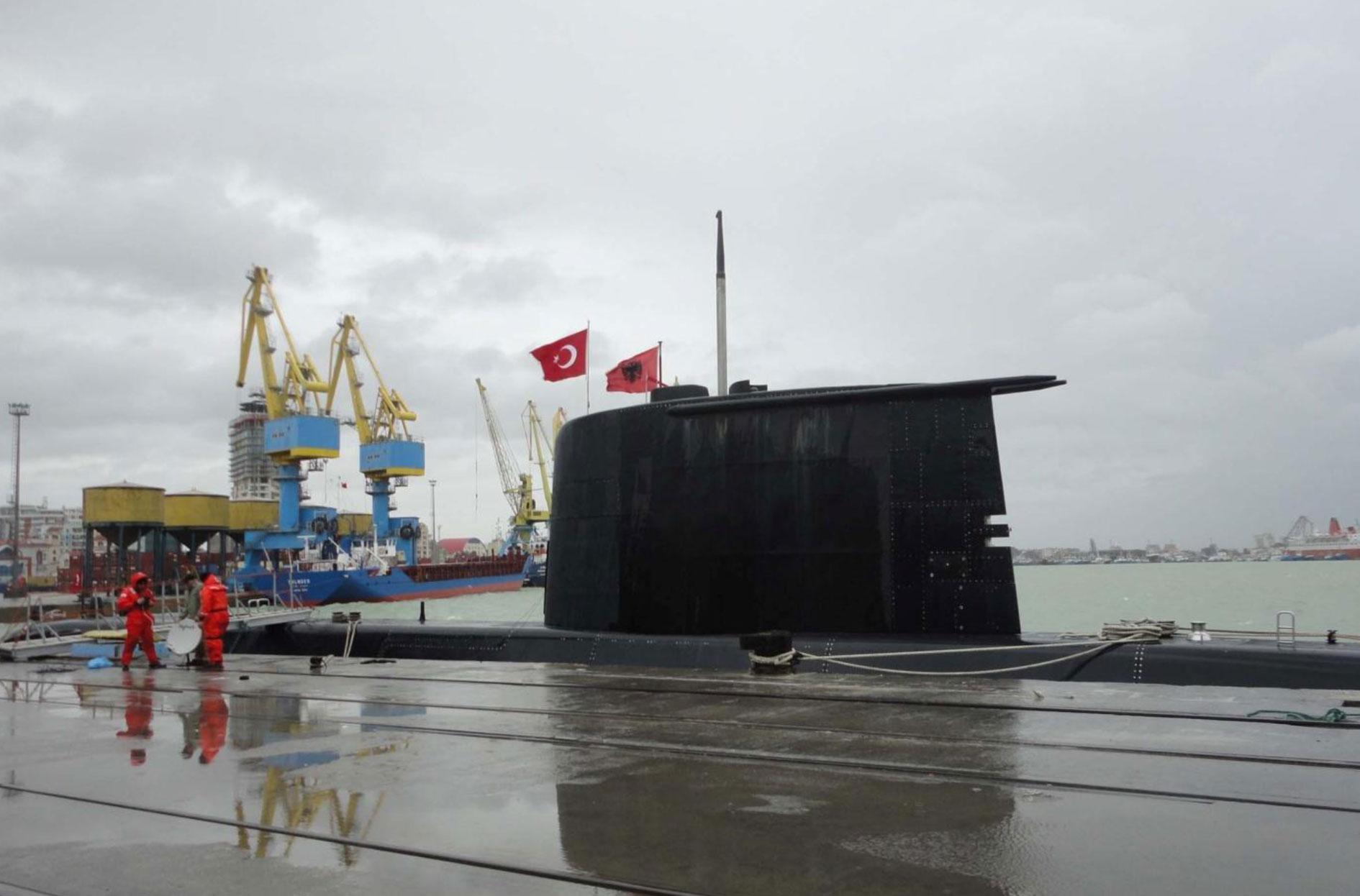 Αποτέλεσμα εικόνας για turkish submarines in Albania