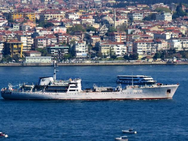 PM-138 passing through Bosphorus.