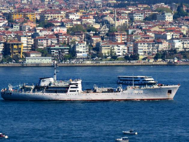 PM-138 passing through Bosphorus.