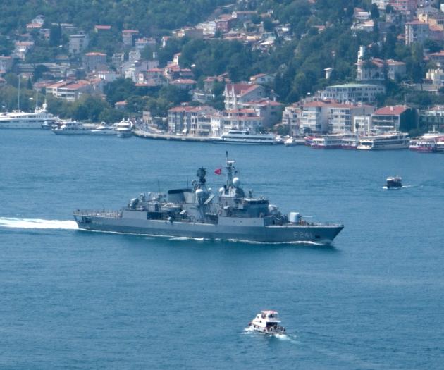 F-241 TCG Turgutreis passing through the Bosphorus to join the BLACKSEAFOR task force. Photo Kerim Bozkurt. Used with permission.