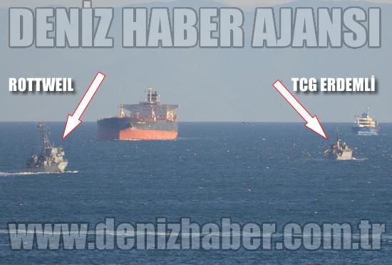 M-1061 FGS Rootweil and M-263 TCG Erdemli leaving the Bosphorus on 14 September 2013.