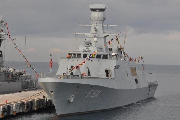 askeri-gemiler-kusadasinda-DHA-58c5e8707113926f0ae3ffeac8c098c4-3-t