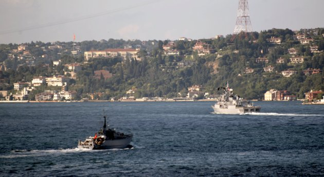TCG Enez (left) and TCG Barbaros (right) on their way to Varna. Both are taking part in Breeze 2015 exercise with  NATO SNMCMG-2 task force.