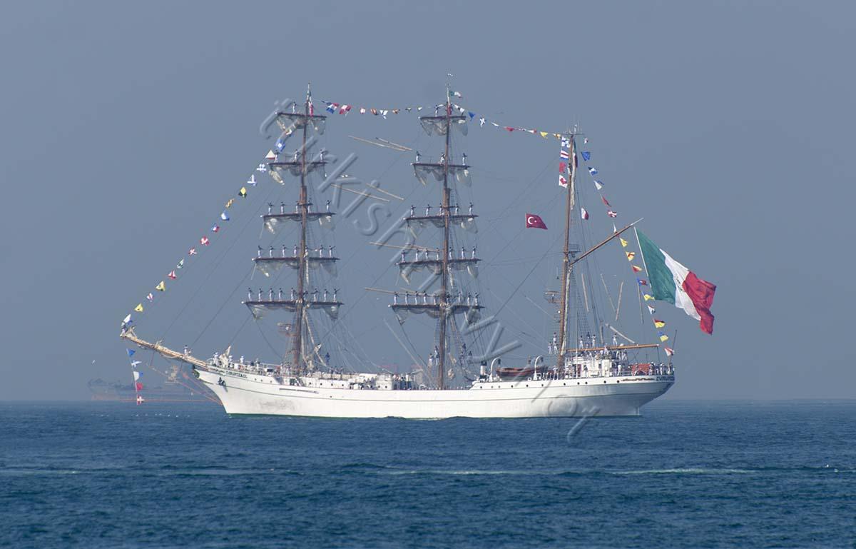 mexican navy sail ship arm cuauhtémoc left istanbul