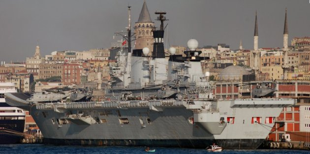 HMS Illustrious in Istanbul. 16 May 2008