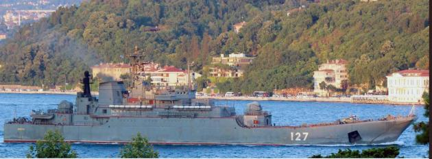 Russian landing ship Minsk making her southbound passage. Photo: Yörük Işık.